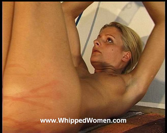 JULIET´S ASS- AND PUSSY WHIPPING